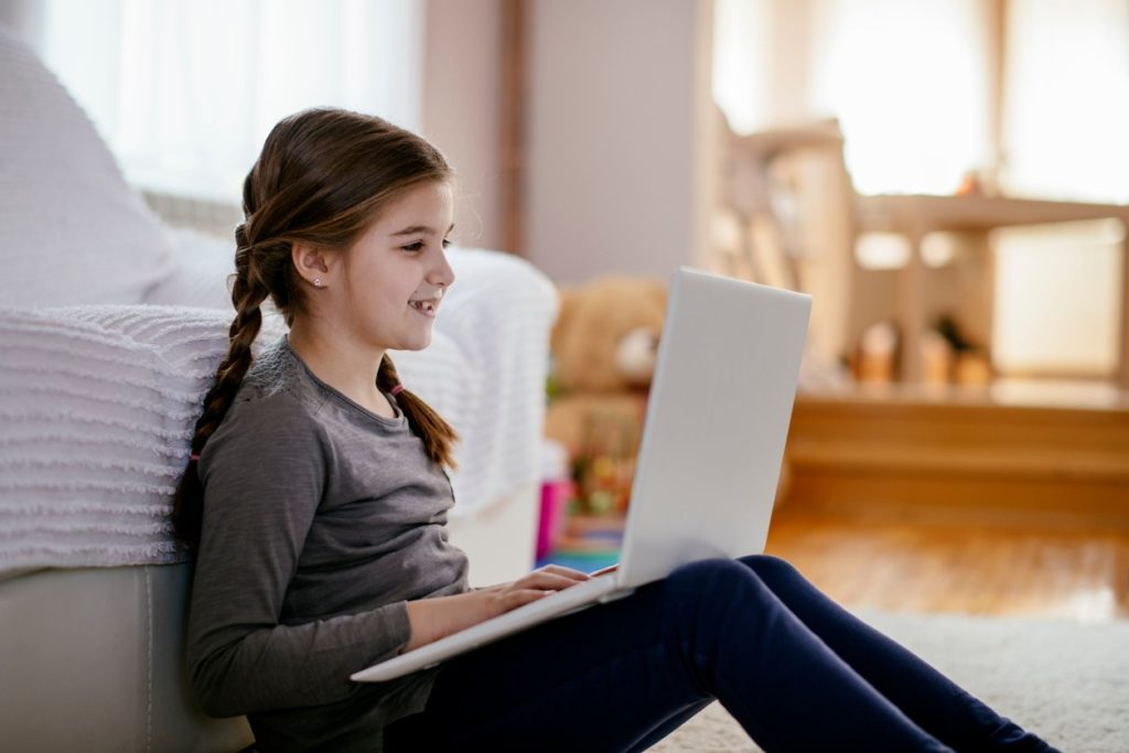 12-Year-Old Child Generates $ 8,763 a Month on the Internet and You Will not Believe How You Do It!